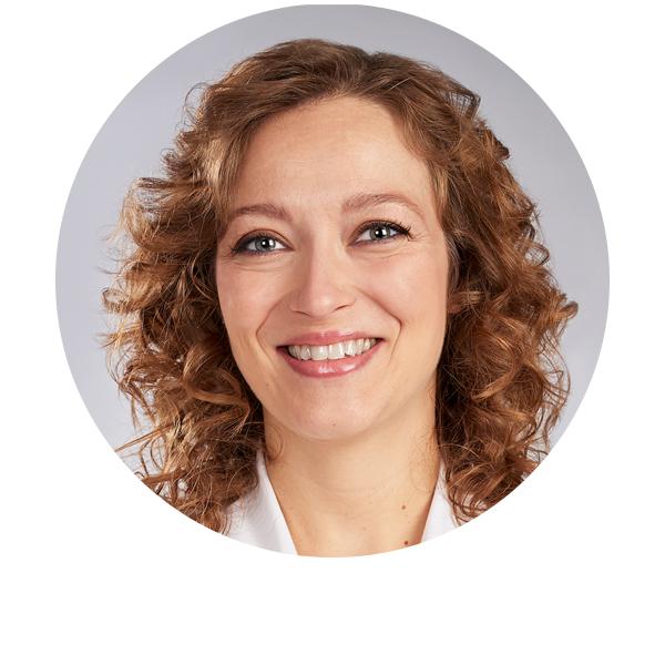 doctora Elena Jarrín oftalmóloga